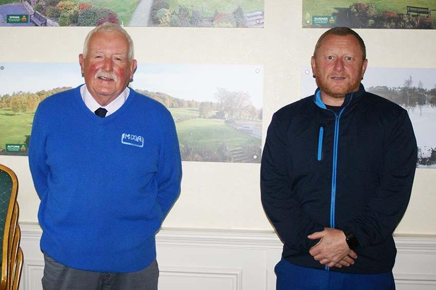 Andy Hall, half of the winning AmAm team with MDGA President Ian Brooks